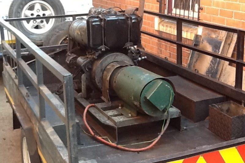 2_cylinder_Deutz_on_trailer_01